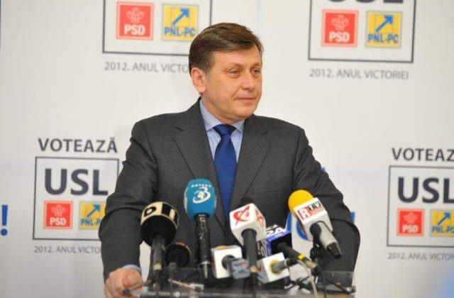 Antonescu: Premierul Ponta nu poate face numirile ministrilor cu forta
