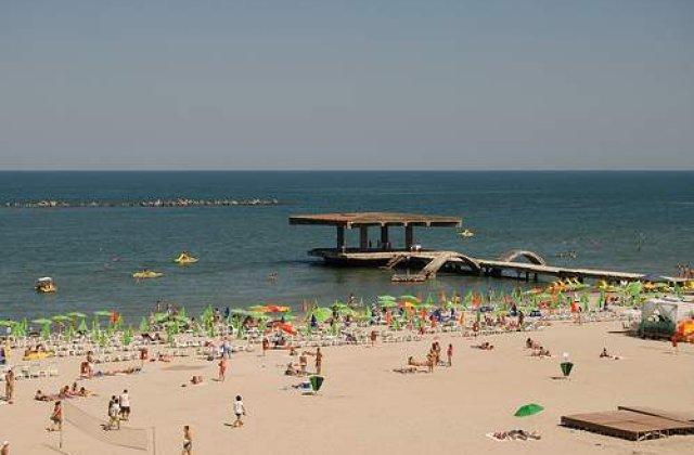 Peste 100.000 de turisti pe litoralul romanesc in weekend