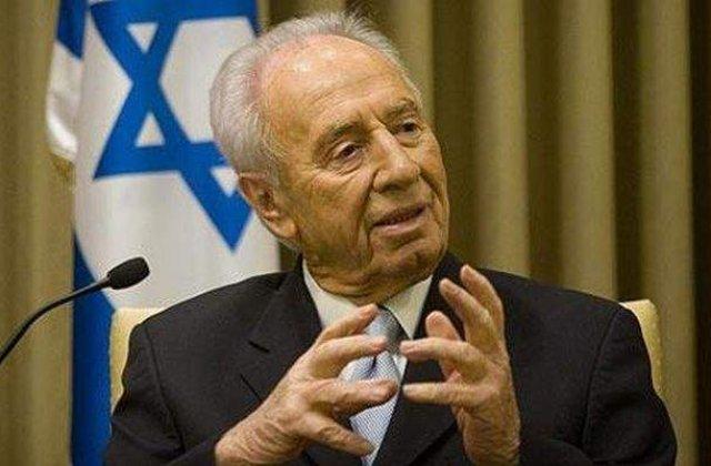 [FOTO] Cum s-a deghizat Shimon Peres pentru a ajunge la negocieri secrete