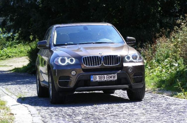 Drive test BMW X5 facelift - King of the road
