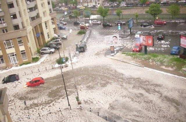 [VIDEO] Inundatiile APOCALIPTICE de duminica din Capitala in IMAGINI