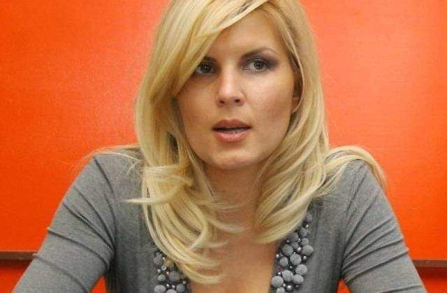 Udrea a jucat o partida de tenis cu Ruxandra Dragomir: Mi-a iesit mai bine saltul cu parasuta