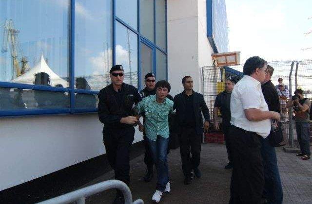 Barbatul care l-a scuipat pe Basescu a incercat sa se SINUCIDA!