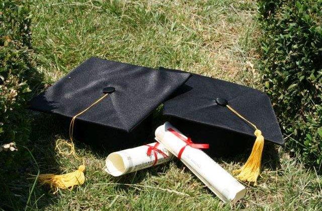 Patru universitati private si 135 programe de studii, lichidate de Guvern