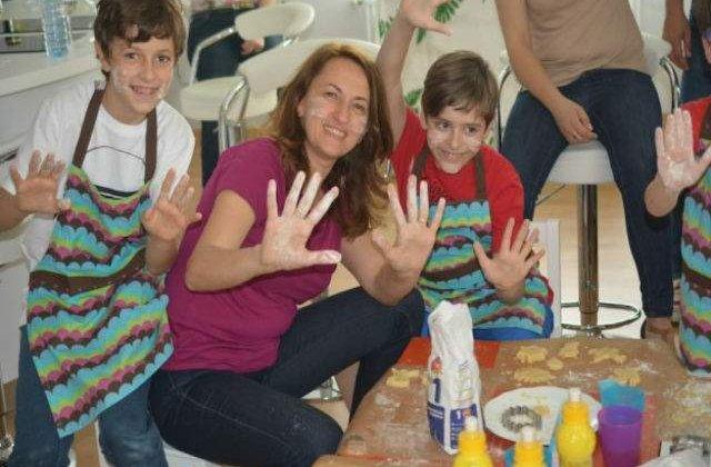 Bucatarasii au inaugurat cu succes studioul video si primele ateliere culinare
