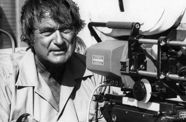 A murit regizorul Andrew V. McLaglen