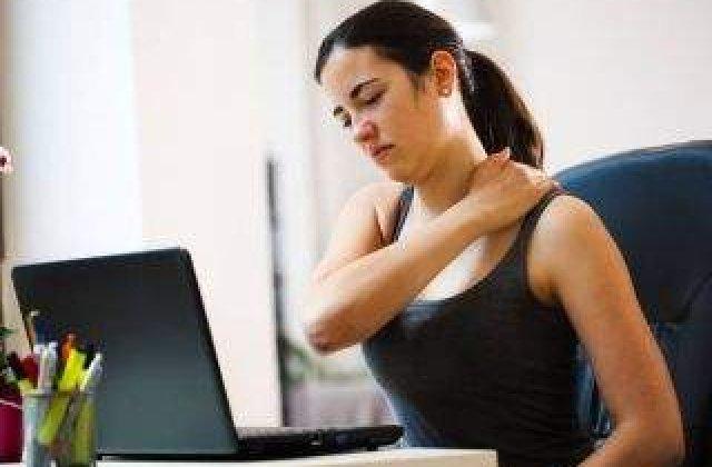 Faci asta zilnic, dar stii cat de PERICULOS este? Top 10 efecte nocive ale statului pe scaun