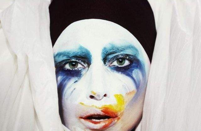 [Video] Lady Gaga sustine ca a fost violata la varsta de 19 ani