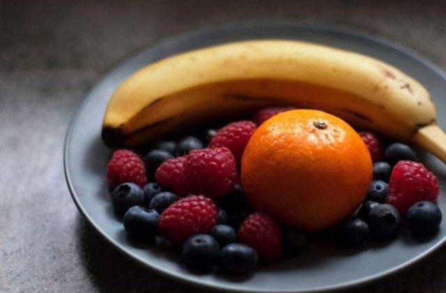 Sunt delicioase, IDEALE in orice dieta si mai au ceva! Calitatile ASCUNSE ale sucurilor din fructe