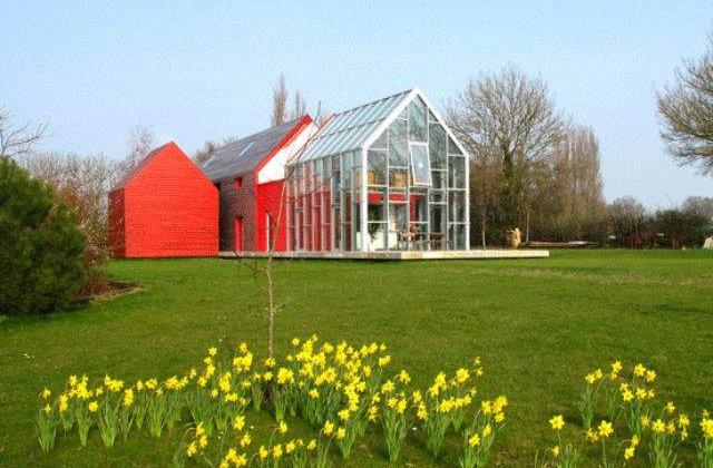 [FOTO] Casa cu acoperis glisant - concept inovator