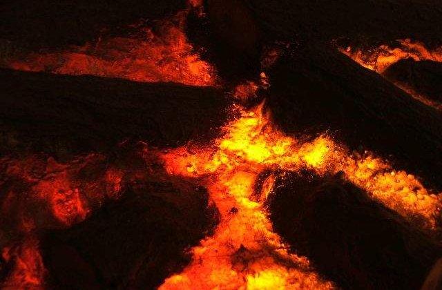Chile: Mii de persoane au fost evacuate dupa eruptia unui vulcan