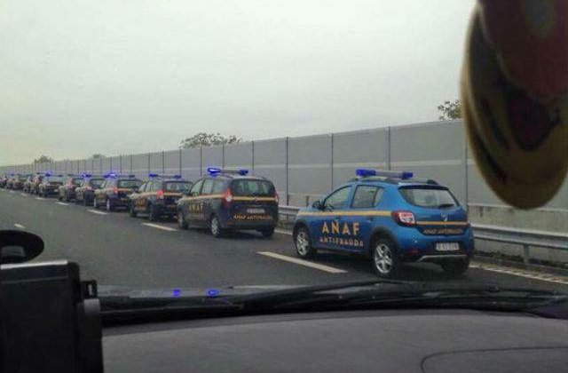 [FOTO] O coloana de masini ANAF se indreapta spre mare. Poza a devenit virala
