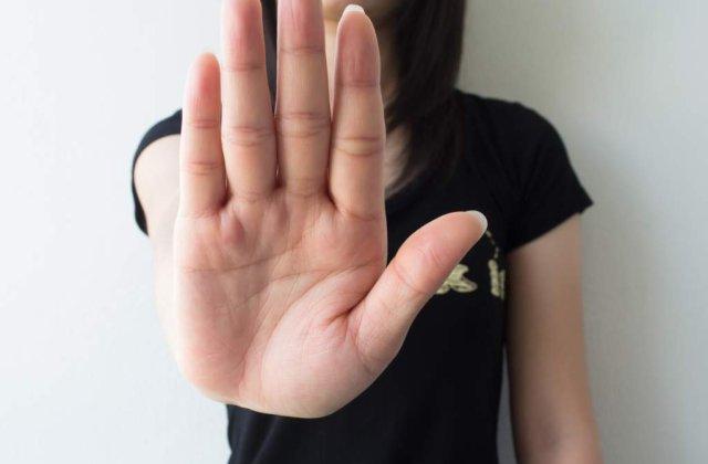 Secretele INCREDIBILE ale mainilor! Boli TRADATE de culoarea palmelor