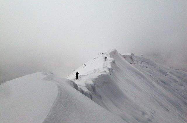 Cadavre, descoperite in urma unei avalanse, in Nepal
