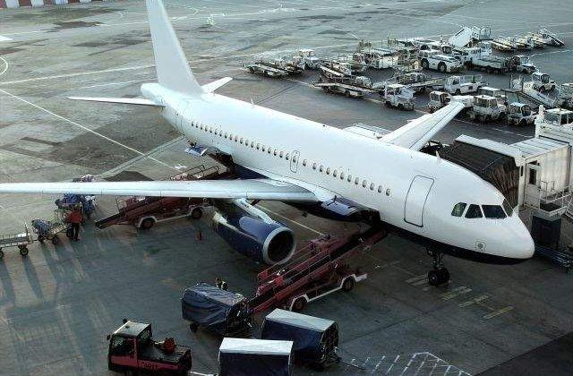 Aeroportul Oradea, inchis pana in septembrie, pentru extindere