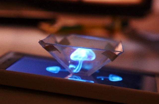 [VIDEO] Uite cum poti face o holograma 3D cu telefonul