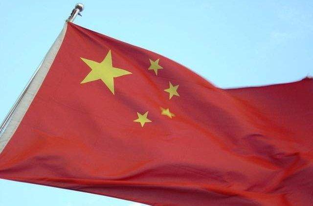 China: Pompier salvat de autoritati dupa 32 de ore de la explozii