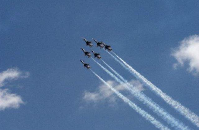 Avioanele Turciei au efectuat primele raiduri alaturi de coalitia SUA impotriva SI