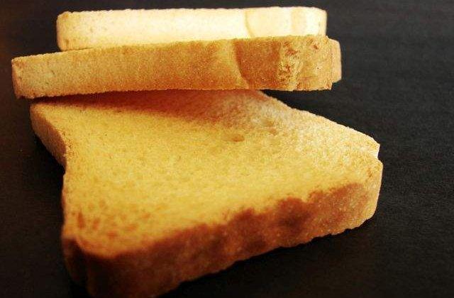 Nu vrei sa mai consumi paine? Ce se intampla cand RENUNTI la gluten