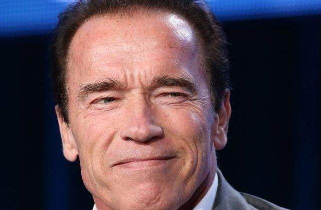 Schwarzenegger isi indeamna fanii sa NU manance carne, pentru a salva natura