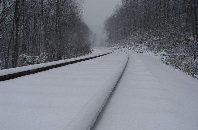 Trenurile de calatori circula cu restrictii de viteza