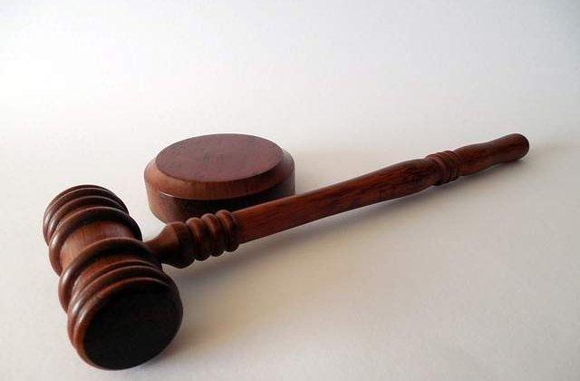 Franta: 12 romani acuzati de trafic de minori, eliberati in urma unei erori a justitiei