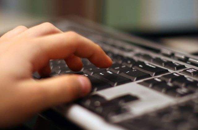 Psiholog: Internetul nu e atat de liber pe cat credem noi