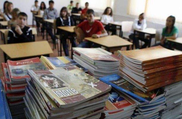 Ilegalitati produse in cadrul licitatiei pentru manualele de clasa a IV-a