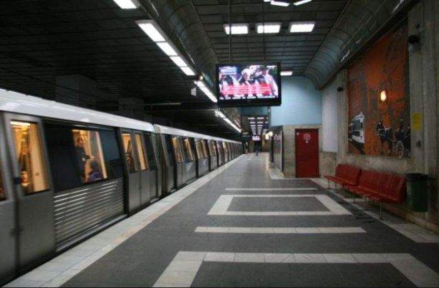 """Surpriza pentru bucuresteni! Miercuri veti gasi """"Scrisori calatoare in metrou"""""""