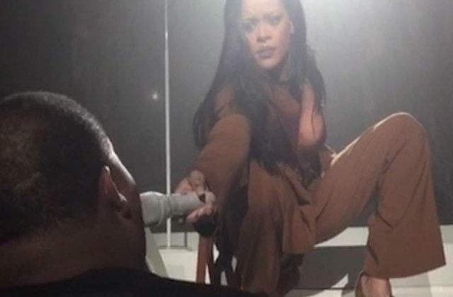 [VIDEO] El este cel care a impresionant-o pe Rihanna in timpul unui concert