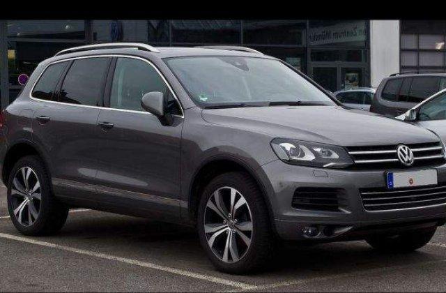 Volkswagen recheama in service 800.000 de vehicule Touareg si Porsche Cayenne