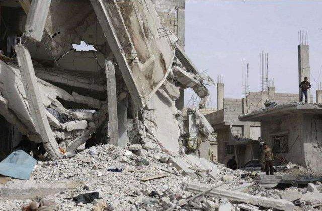Zeci de civili ucisi in atacuri aeriene la est de Damasc