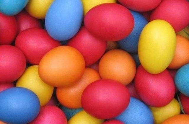 Tu stii cate E-uri contine vopseaua de oua comercializata in Romania?