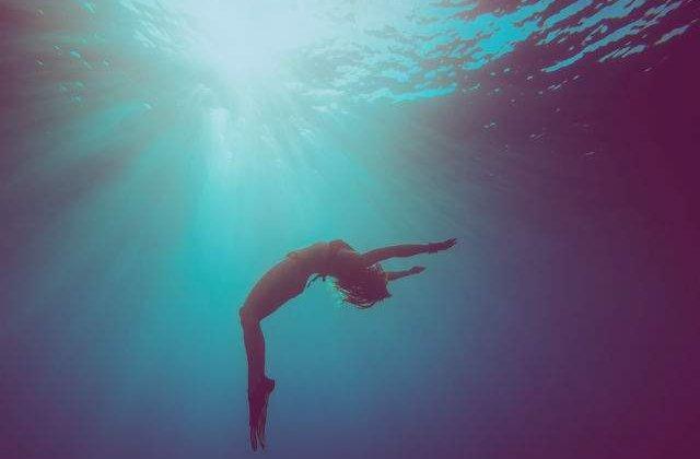 Baiatul care a supravietuit 42 de minute sub apa