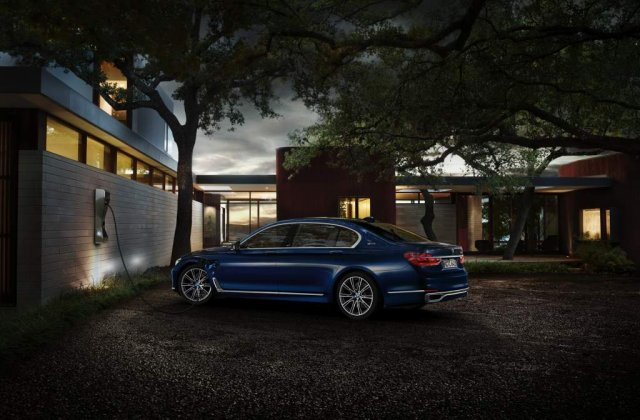 100 de ani de BMW sarbatoriti cu 100 de exemplare de Seria 7