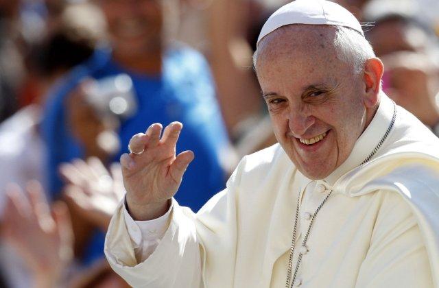 Papa Francisc socheaza comunitatea internationala