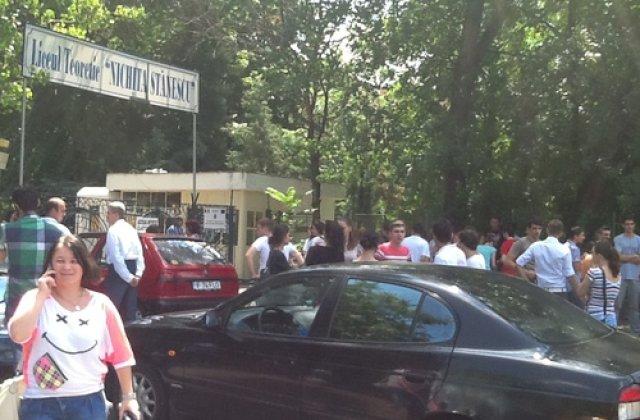 [EXCLUSIV] Halucinant! Elevii de la un liceu din Bucuresti nu au voie sa sune la 112 in caz de urgenta