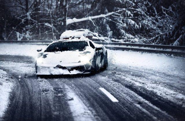 Unde poti sa mergi cu un Lamborghini? Ei bine, pe un munte plin de zapada!