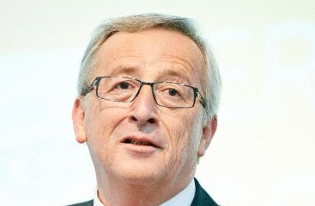 Vizita lui Juncker in Rusia atrage critici dure