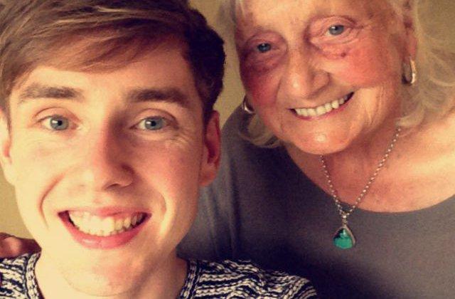 [FOTO] O bunica a facut o cautare pe Google si a devenit celebra pe Internet