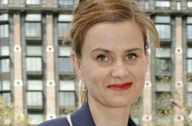 UPDATE: Parlamentara laburista Jo Cox, impuscata si injunghiata joi, a murit