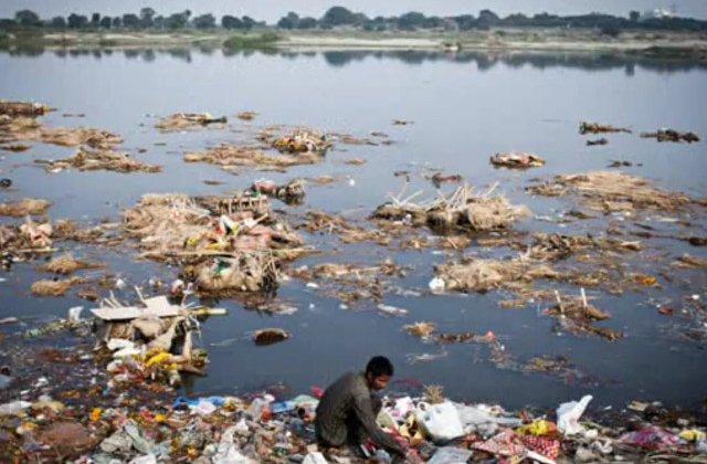 New Delhi, mai poluat decat Beijing. Top 10+1 semne ca nivelul de poluare din India a atins cote alarmante
