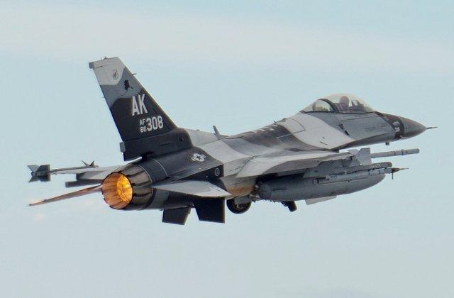 Mister: Avioane de lupta F-16 au fixat tinta pe avionul lui Erdogan, dar nu au tras