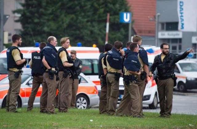 [UPDATE] [VIDEO] Atac armat la Munchen. Agresorul s-a sinucis, dupa ce a curmat viata a zece persoane