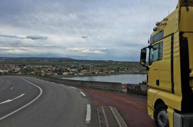 ASF confirma ca va fixa un tarif RCA de referinta de 7.500 de lei pentru camioanele de peste 16 tone