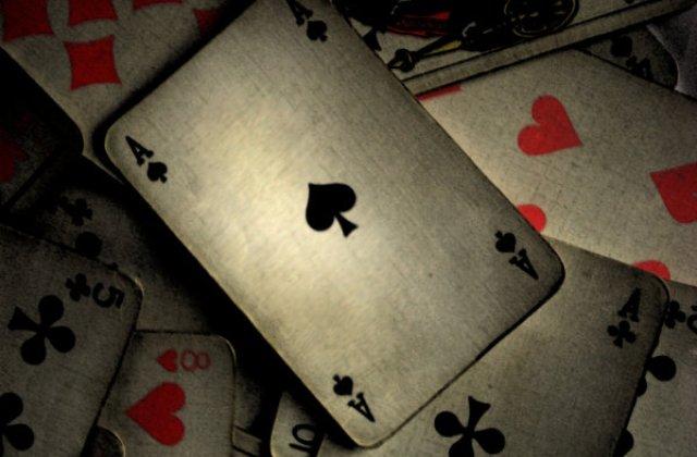 Zece jocuri cu carti de joc