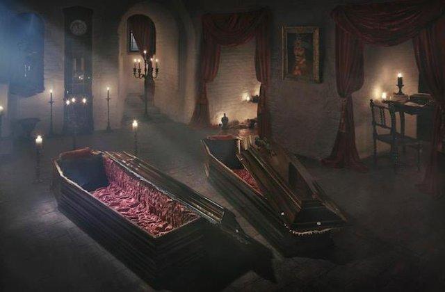 Halloween in castelul lui Dracula. Site-ul Airbnb ofera premiu o noapte de cazare in castelul Bran