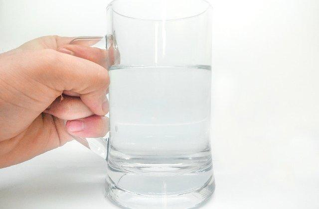 Puterea uimitoare a apei: Ce se intampla in organism daca bei ZILNIC, pe stomacul gol