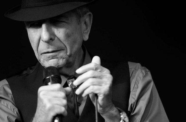 Leonard Cohen a murit la varsta de 82 de ani