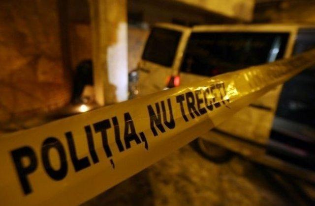 Un adolescent de 15 ani s-a aruncat de la etajul 9 al unui bloc din Deva